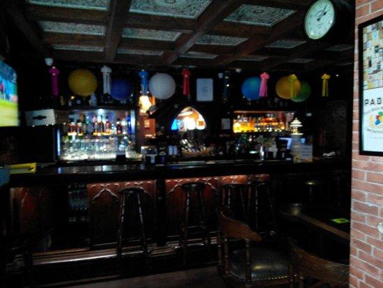 Cafe Mojo Pub and Bistro: Bar view