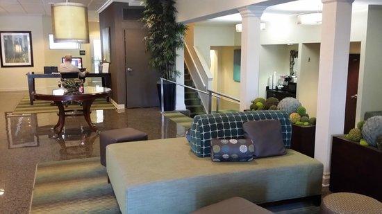 BEST WESTERN PLUS Cary Inn - NC State: Main lobby area
