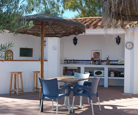 Casa El Algarrobo: Outside kitchen and bar
