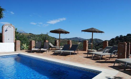 Casa El Algarrobo: Swimming pool with outside shower