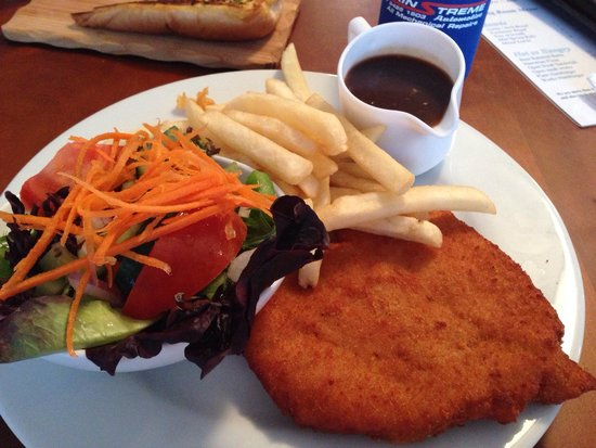 The Barwon Inn: Beautiful schnitzel meal
