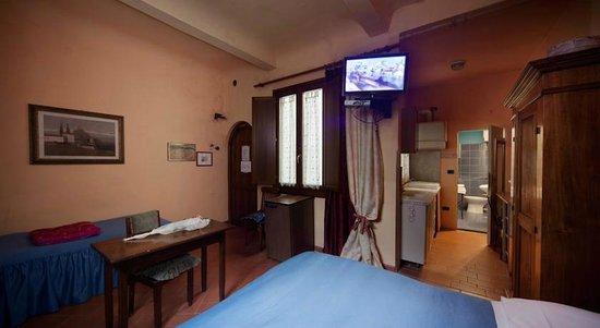 camera/room - Foto di Soggiorno la Pergola, Firenze - TripAdvisor
