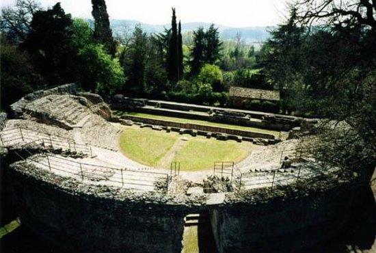 Anfiteatro romano di falerone