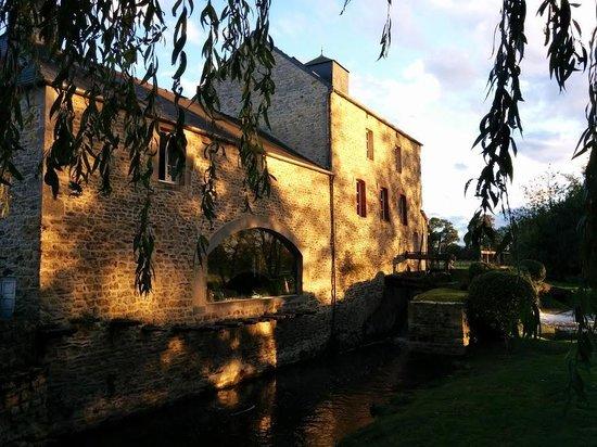 Subles, Γαλλία: Vue sur le moulin (2).