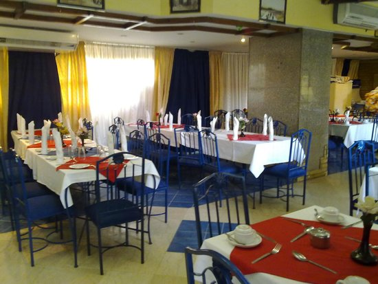 Gaddis Hotel, Suites and Apartments: Buffet Restaurant