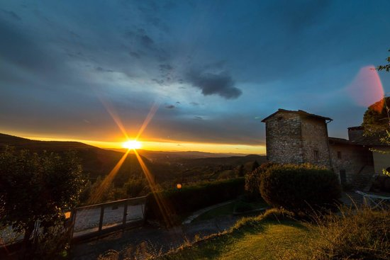 Casale Fontibucci: This is the view that you can enjoy from the B&B