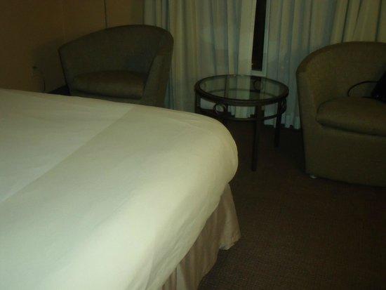 Novotel Toronto Centre: Room