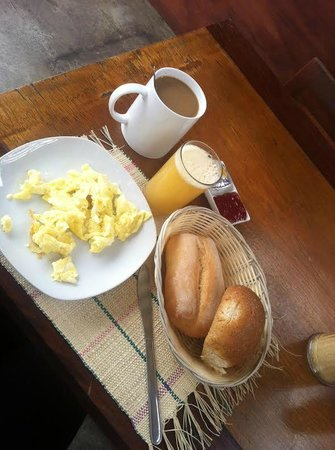 The House Project: Free Breakfast - Café da manhã incluso