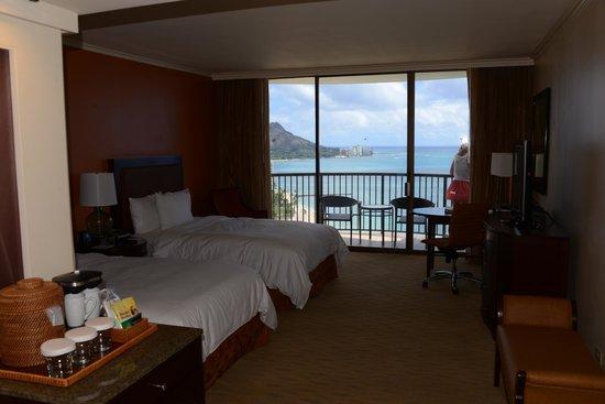 Hilton Hawaiian Village Waikiki Beach Resort: great view from room 2503 over Waikiki Beach