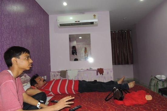 Hotel Hayat Rabbani : CLEAN ROOMS WITH AC