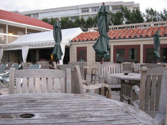 Palm Beach Oceanfront Inn: Morning coffee on the deck
