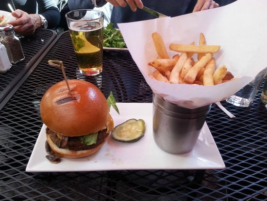 Harlem Tavern: Hamburger