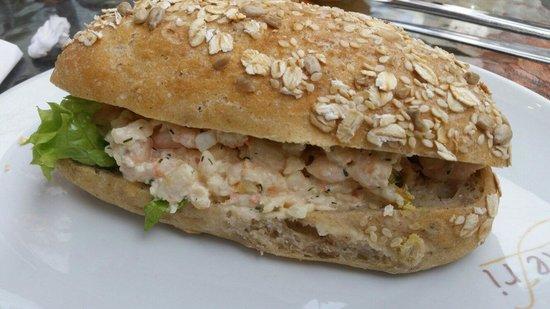 Bakefri Cafe : Sandwich m. Rejesalat. .. Smagte lækkert
