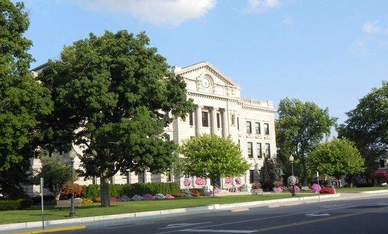 DeKalb County Visitors Bureau