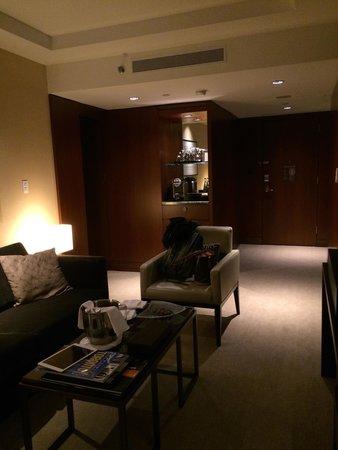 Shangri-La Hotel Toronto : Living area