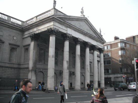 O'Connell Bridge: The GPO in Dublin Ireland