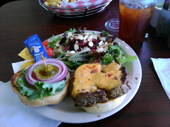 Brick House Eatery: Monticello burger and side sald