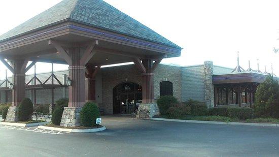 Lakeside Tavern: Lakeside Entrance