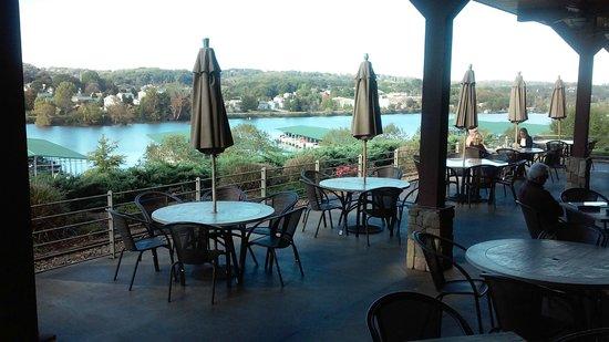 Lakeside Tavern: River view