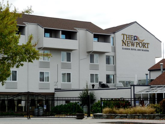 hotel picture of newport harbor hotel marina newport. Black Bedroom Furniture Sets. Home Design Ideas