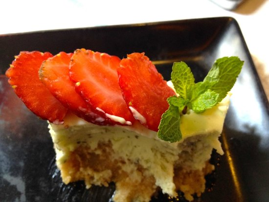 L'etranger: One of the most interesting and fine cheesecakes I've ever tasted: Mojito cheesecake!