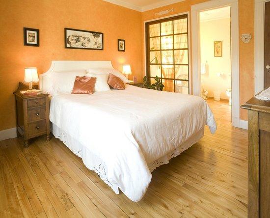 Chambre Orange Art Deco Orange Room Art Deco Picture Of Gite De