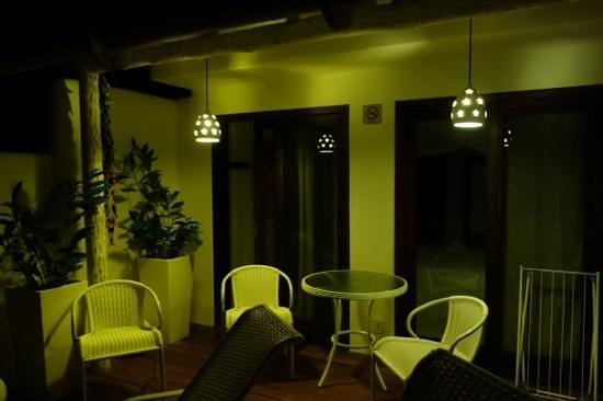 Hospedaria do Quadrado: varanda da suíte deck à noite