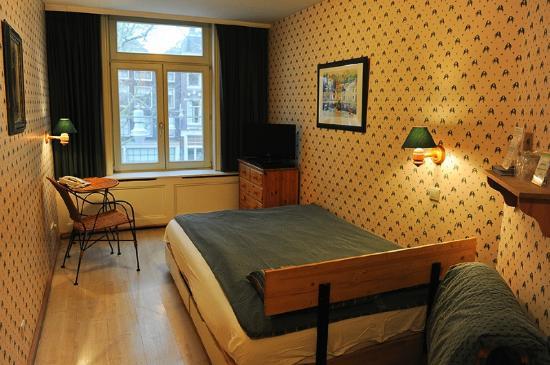 hotel imperial bedroom