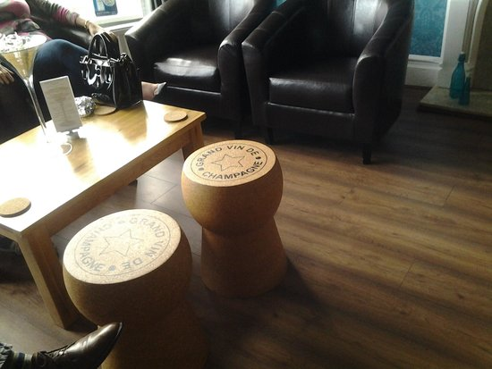 Orrell Park Hotel: quirky seating