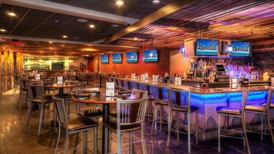 DoubleTree by Hilton Hotel Port Huron: Bar