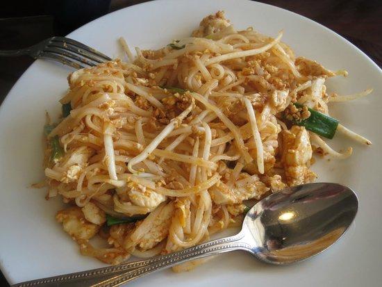 Pad Thai Cuisine: Chicken Pad Thai