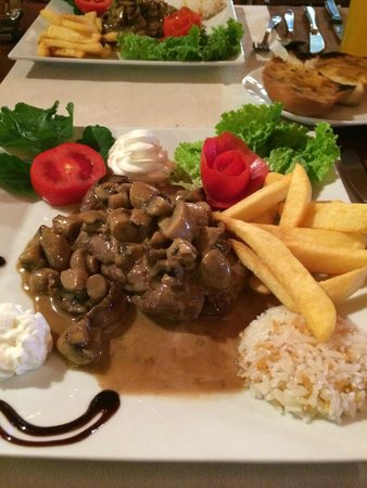 The King Arms: Steak with a mushroom and cream sauce