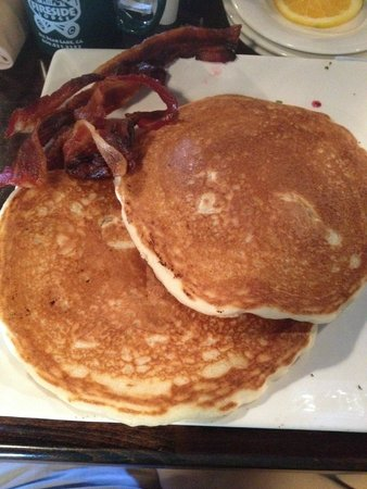 Big Bear Lake Brewing Company : $9.00 Pancakes and $4.00 side of bacon