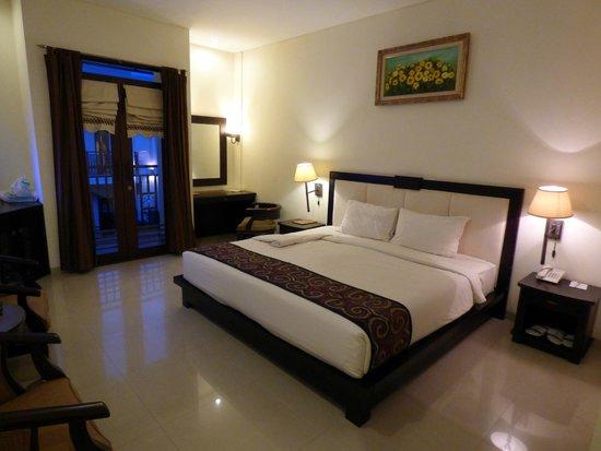 Luta Resort Toraja: Vue de  la chambre