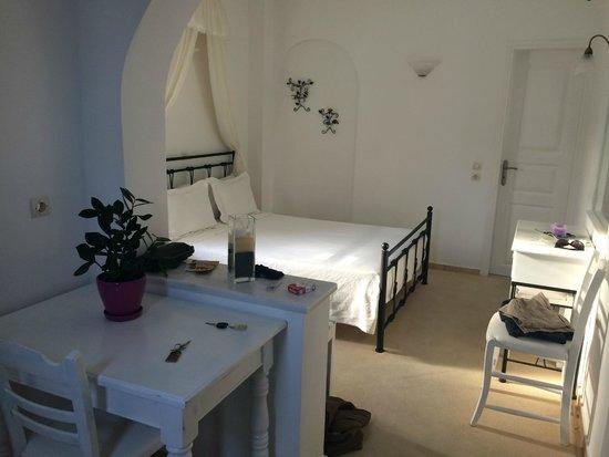 Anthonas Apartments : Nuestro Cuarto