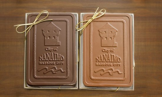 Cherub Chocolate : Nanaimo chocolate bar in gift box - the best you can bring from Nanaimo!