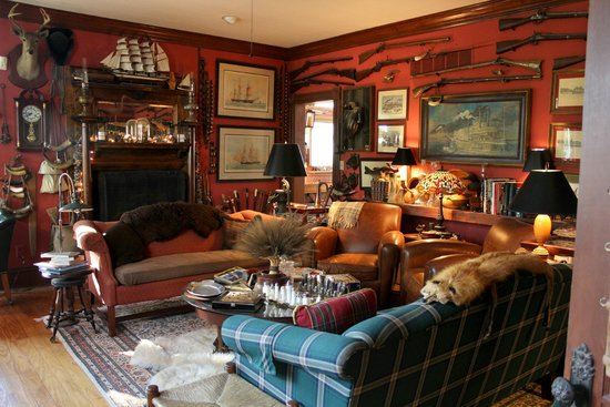 "H. S. Clay House B & B and Guest Cottaage : ""The Red Room"" sitting area in the H.S. Clay House B&B in Augusta, MO"
