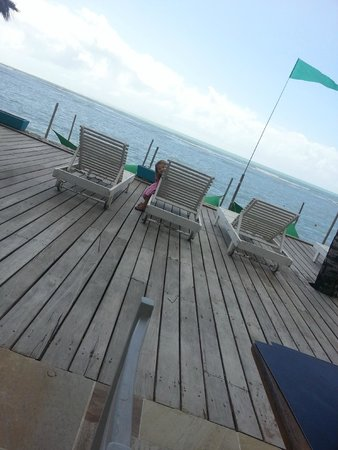 Mar Paraiso Resort : Deck Praia