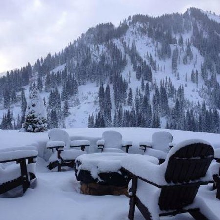 Snowpine Lodge: Gas Fire Pit