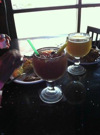 Tiny's Tavern: street view table
