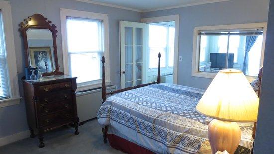Yankee Clipper Inn: Our room