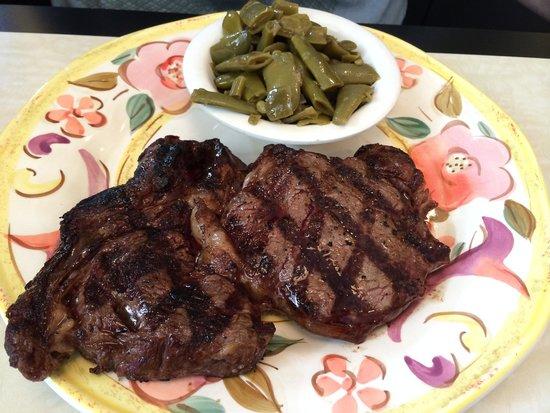 Rimas Diner: Steak & green beans