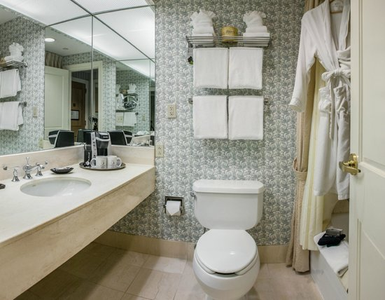 Beechwood Hotel: Bathroom
