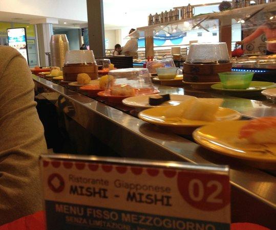 Il nastro trasportatore picture of mishi mishi vignate for Acquario vignate