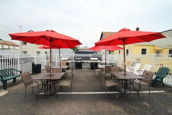Dry Dock Motel: BBQ