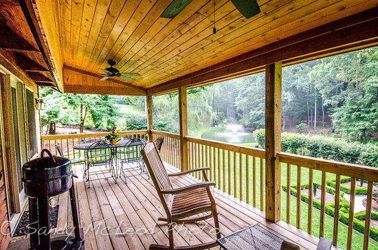 Back porch of mom 39 s manor picture of asheville cabins of for Tripadvisor asheville nc cabins