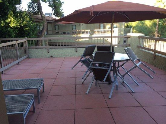 Pointe Hilton Squaw Peak Resort: Roof top patio