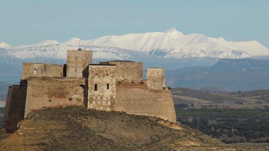 Castillo de Monzón: Castillo de Monzon en Décembre