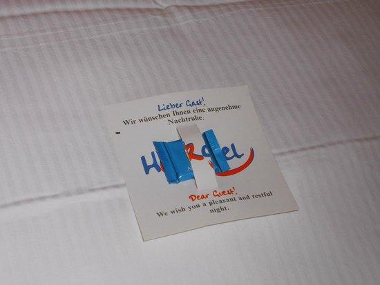 Heikotel - Hotel Am Stadtpark : Begrüßungs-Schokolade auf dem Kopfkissen ;-)