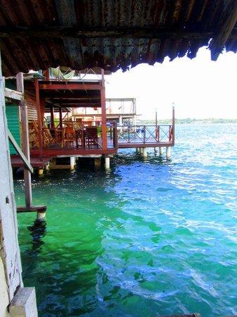 Hotel Las Brisas: deck view